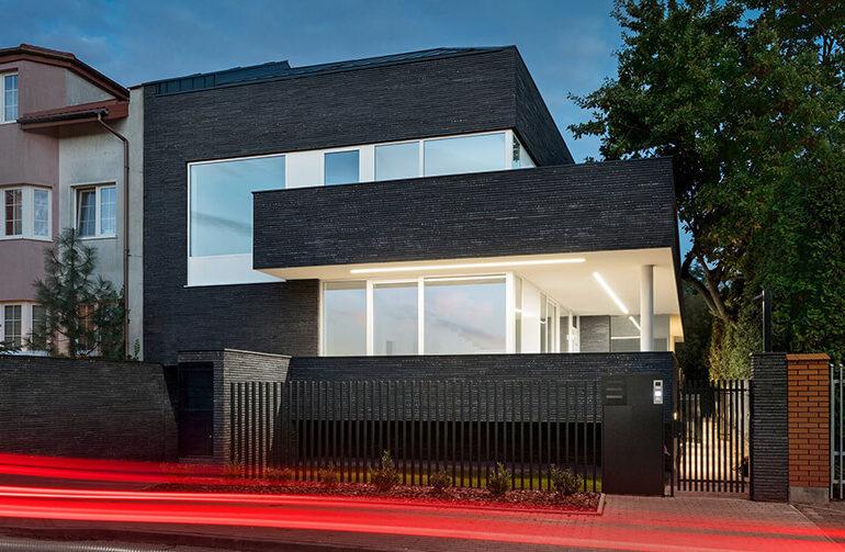 Стильниий міський будинок з графіту